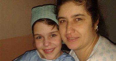 Lucia with her mum before surgery