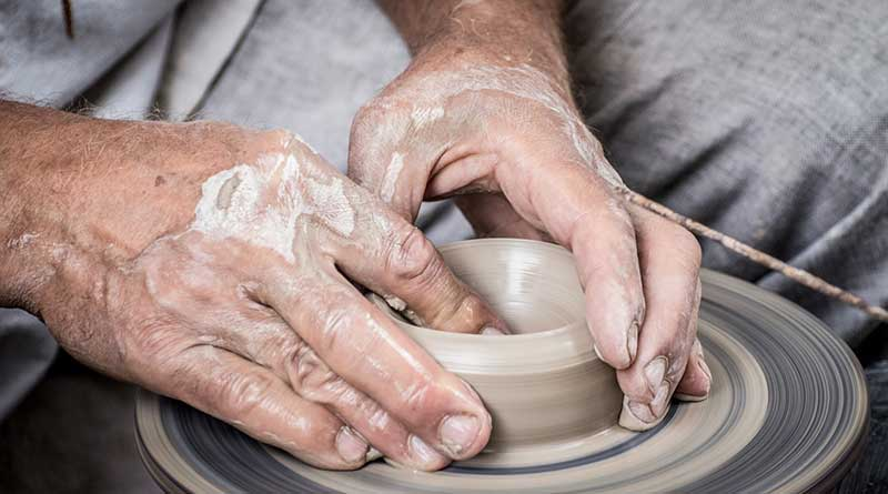 The potter's hands on 2hearts